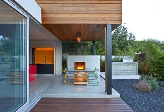Exteriores chimenea vivienda moderna sostenible en los Angeles
