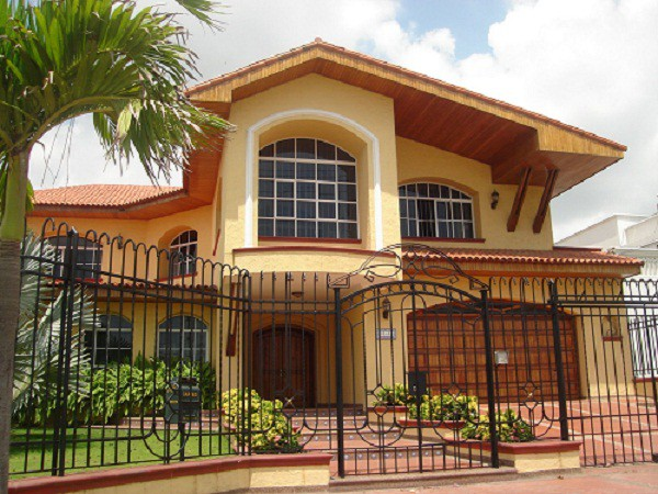 Imagen de fachadas de casas de dos plantas (5)