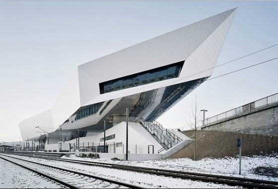 Edificio futurista museo del Porsche (21)