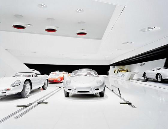 Edificio futurista museo del Porsche (6)