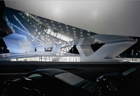 Edificio futurista museo del Porsche (20)