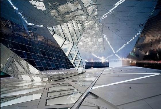 Edificio futurista museo del Porsche (19)