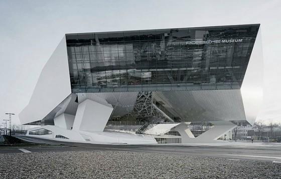 Edificio futurista museo del Porsche (17)