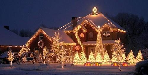 Decorando su fachada para esta navidad (6)