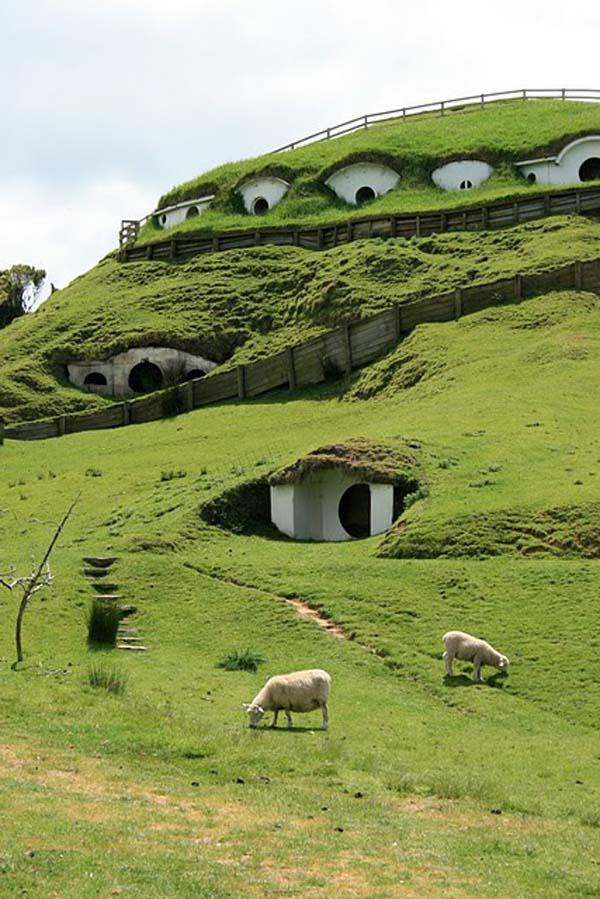 Fachadas de casas bajo la tierra (9)