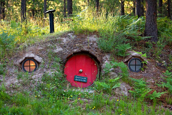 Fachadas de casas bajo la tierra (7)