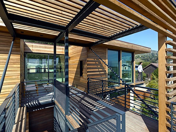 Casa moderna de madera a prueba de inundaciones by peek ancona (9)