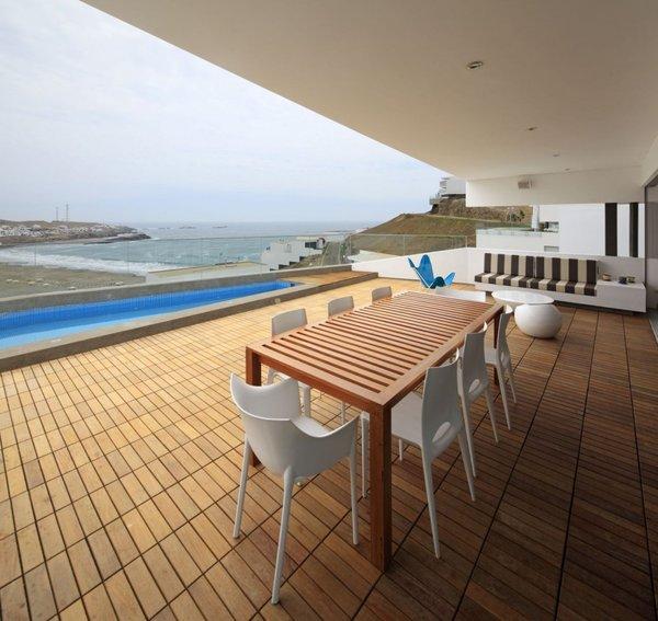 Vertice arquitectos casa moderna J4 Lomas del Mar Lima Péru