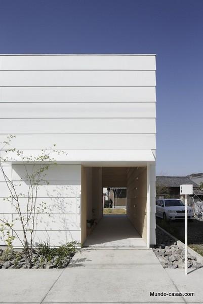 Casa sin ventanas en Japón dando oportunidad al aprendizaje sin distracciones (2)