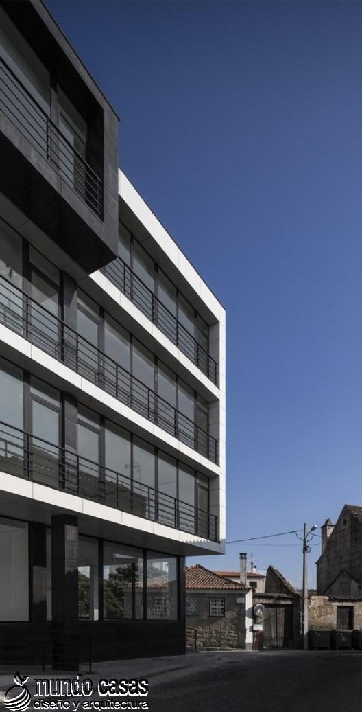 Edificio Residencial Vila Nova de Tazem creado por Nuno Ladeiro y Marco Martins (2)