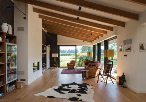 La estructura de madera interior de la casa es perfecta