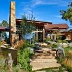 Residencia Eberl anclada en la Naturaleza con estilo contemporáneo