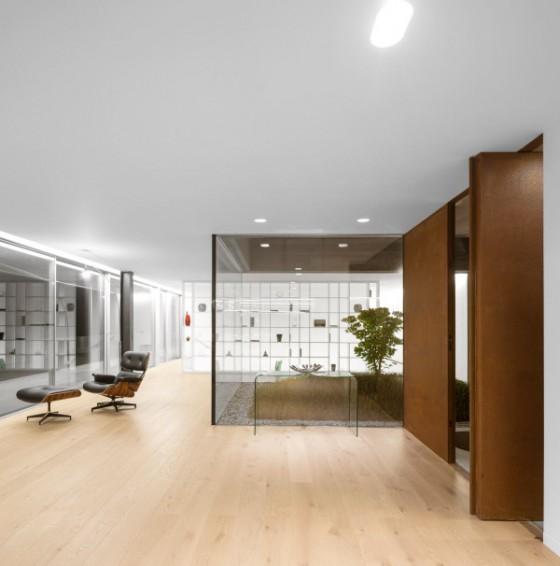 El piso y el diseño de la casa es excelente