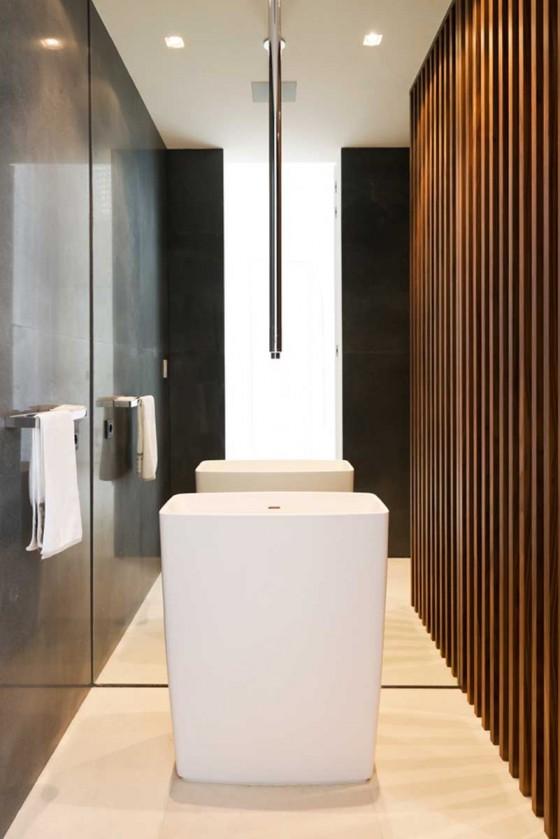 pasillo del baño lujoso y moderno
