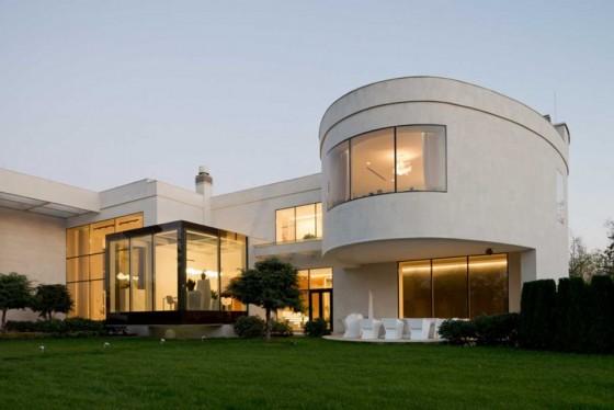 el diseño trasero y completo de la casa