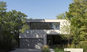 Residencia luminosa de piedra en Toronto para una familia de cinco habitantes
