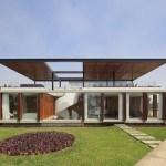 Casa moderna especialmente diseñada para el entretenimiento y para una escapada en Perú