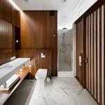 Paneles de madera de nogal unificados para este hermoso y moderno apartamento en Ucrania