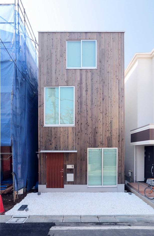 Casa prefabricada de madera, una pequeña construcción para crecer verticalmente