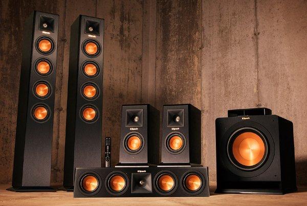 Lo que debes saber antes de comprar un equipo de audio para tu sala