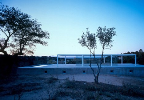 casa-minimalista-vidrio-concreto002
