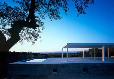 casa-minimalista-vidrio-concreto003