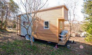 Un diseño innovador de una casa pequeña sobre ruedas