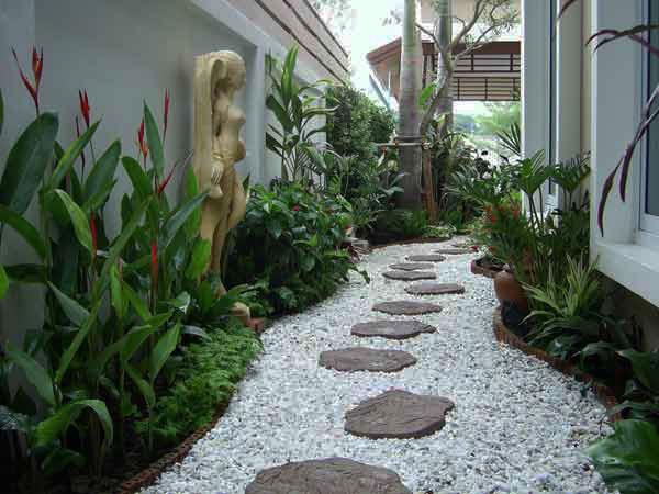 Una parte fundamental en la decoración de jardines: caminitos para pisar