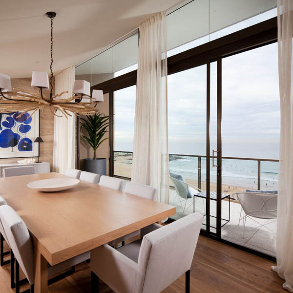 Imagen de Apartamento moderno de tonos crema en Australia - Coco Republic Design (13)