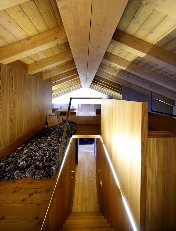 Apartamento con interiores amaderados en Italia (3)