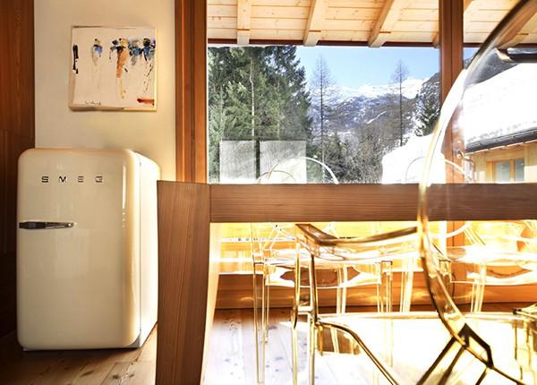 Apartamento con interiores amaderados en Italia (8)