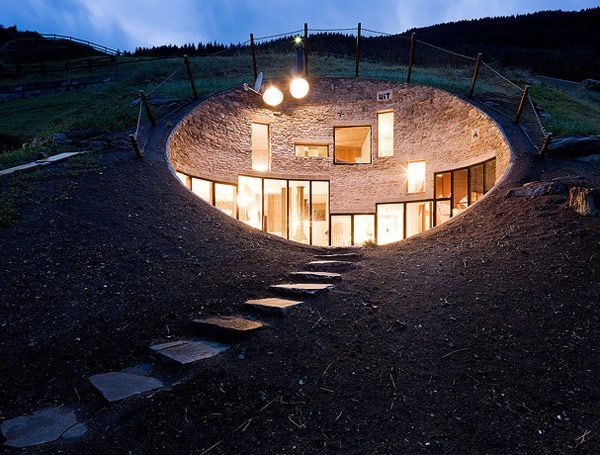 Fachadas de casas bajo la tierra (3)