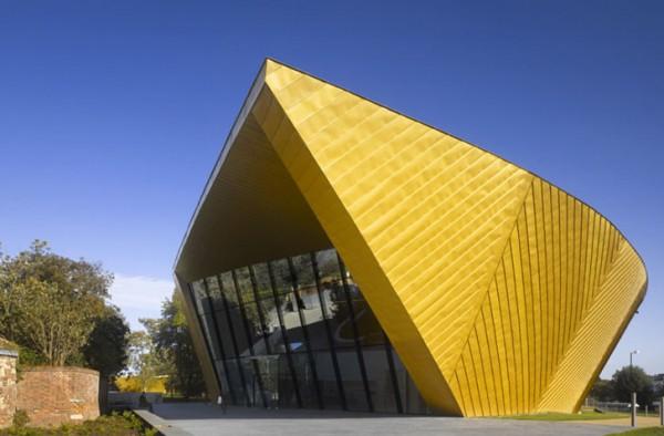 Construcciones con tonos dorados como el oro (9)
