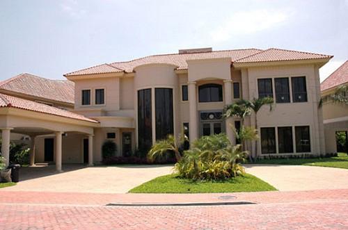 Fachadas de casas lujosas la verdadera comodidad (30)
