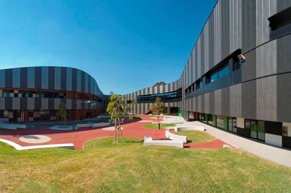 Diseño de interiores didácticos en escuela de gramática en Australia - Penleigh and Essendon Grammar School (PEGS)
