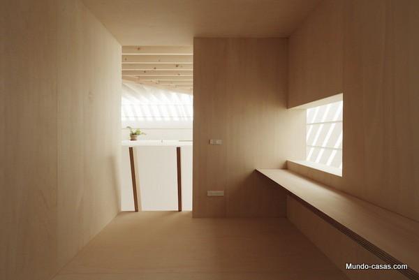 Casa sin ventanas en Japón dando oportunidad al aprendizaje sin distracciones (1)