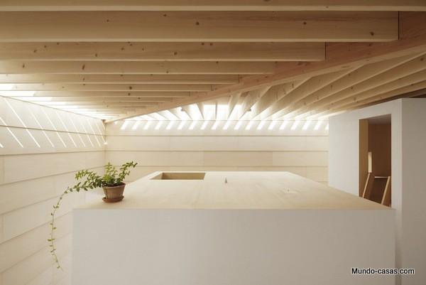 Casa sin ventanas en Japón dando oportunidad al aprendizaje sin distracciones (10)