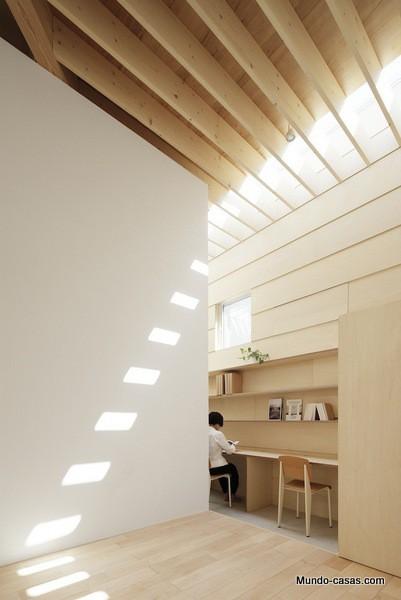 Casa sin ventanas en Japón dando oportunidad al aprendizaje sin distracciones (15)