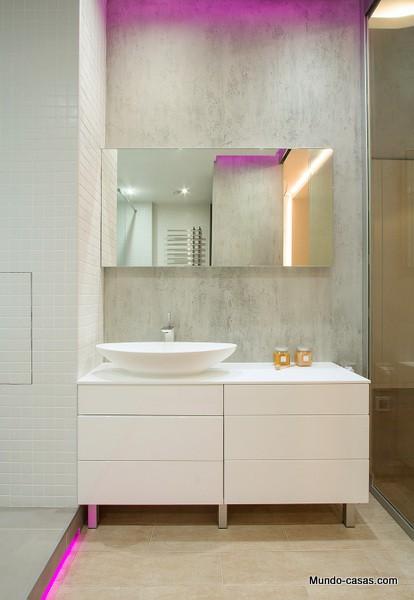 apartamento ultravioleta baños