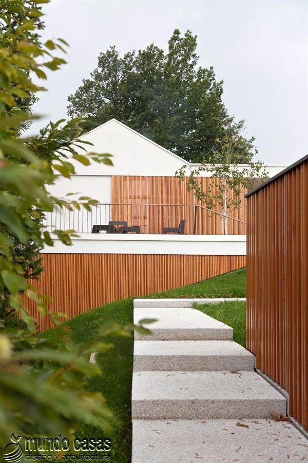 Asombrosa residencia en donde la madera es protagonista exclusiva de una historia hecha casa
