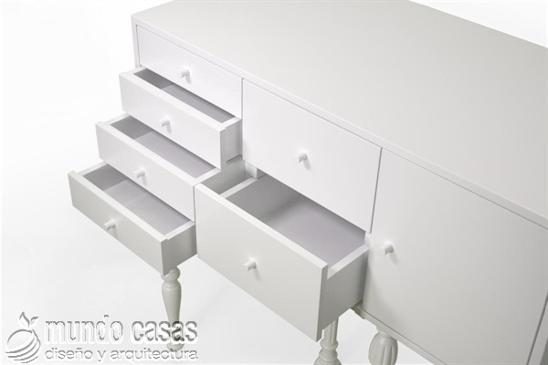 Muebles con estilo clásico pintados con neón
