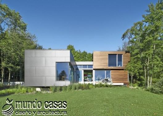 La T-House: Una casa que combina el gusto por la madera y el acero