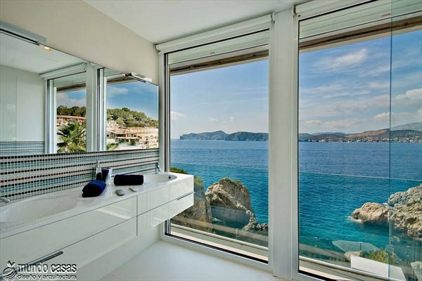 Exótica maravilla residencial en medio de suaves tonos azulados (10)