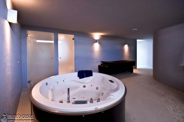 Exótica maravilla residencial en medio de suaves tonos azulados (14)