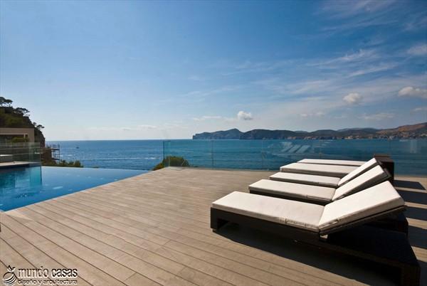Exótica maravilla residencial en medio de suaves tonos azulados (19)