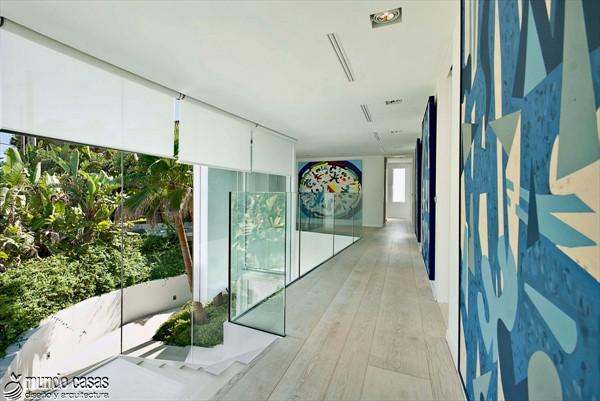 Exótica maravilla residencial en medio de suaves tonos azulados (8)