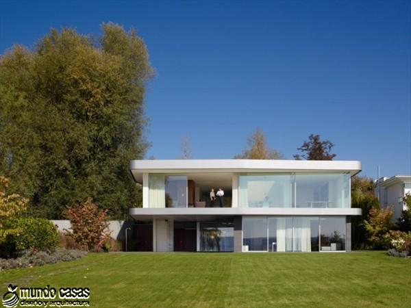 Una Casa Minimalista con Pura Calidad Alemana