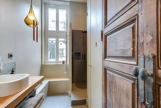 Interiores de apartamento decorado con elementos de cobre (11)