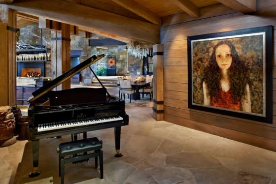 Decoraciones son necesarias para el hogar tales como el piano de cola