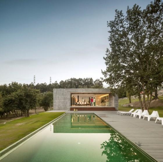 Una piscina muy bonita y en excelente lugar